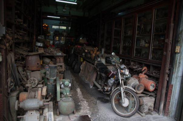 Garage-Clean-Out-Junk
