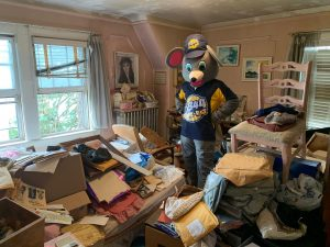 hoarder-cleanout-services